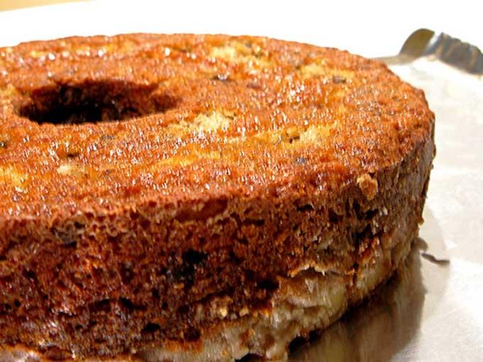 Classic Banana Cake closeup | Foodal