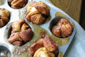 Monkey Bread Muffins: Craziness in the Palm of Your Hand