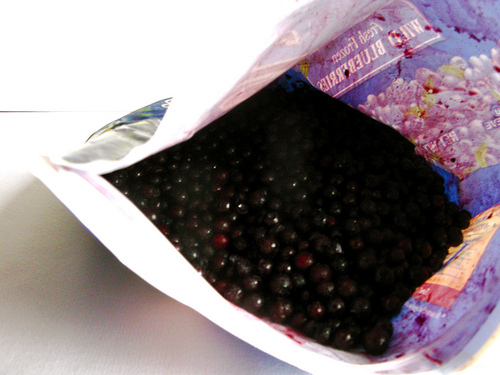 An image of fresh blueberries still in its packaging.