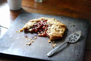 Rustic Grape Galette: the Perfect Picnic Dessert