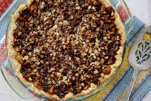 French Apple Cream Cheese Streusel Pie