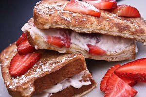 Strawberry Marscarpone Stuffed French Toast