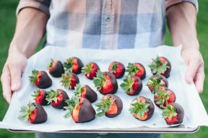 Quick and Easy Homemade Chocolate-Covered Strawberries
