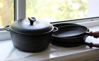 How to Properly Season Your Cast Iron Cookware
