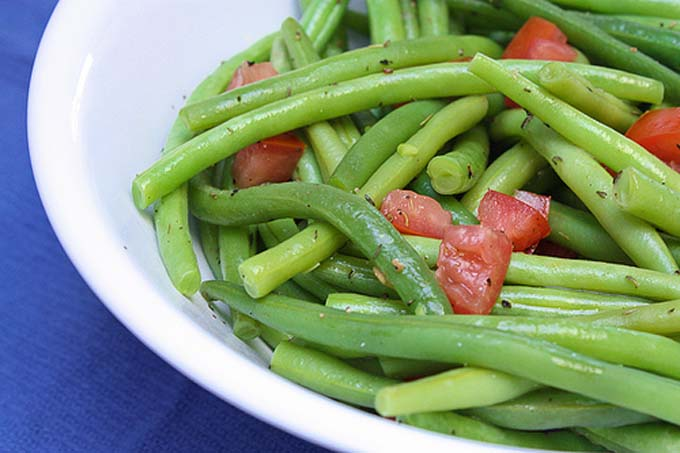 Thyme Seasoned Green Beans | Foodal.com