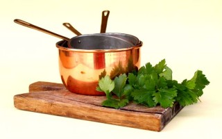 Choosing Between Copper and Cast Iron Cookware