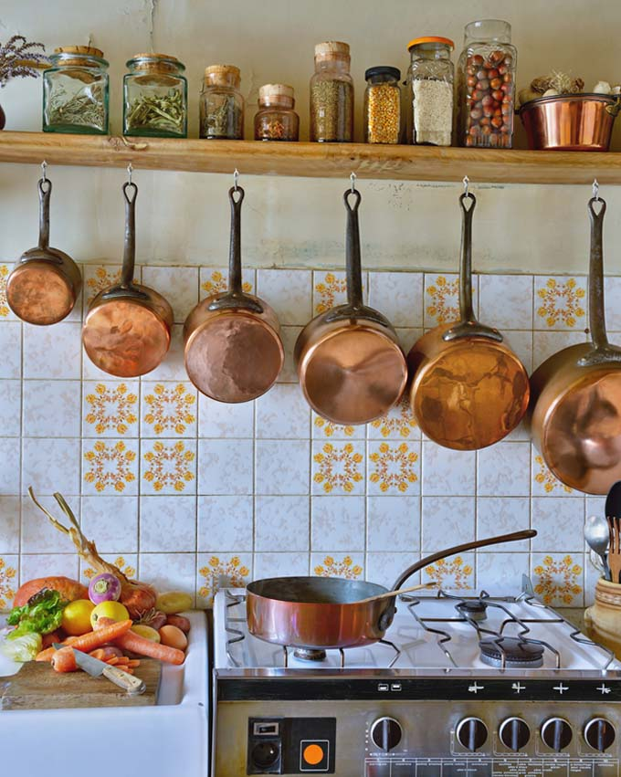 copper vs cast iron cookware