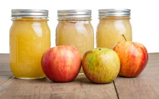 How to Can Applesauce – A Year's Supply at a Time