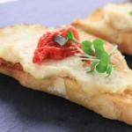 hummus and sun dried tomato | Foodal.com