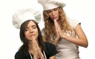 Two femal chefs pray that their wishes come true