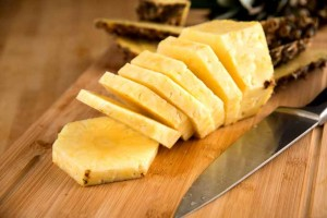 How to Select and Serve Fresh Pineapple