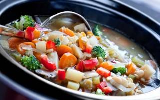 vegetable stew in a crock pot