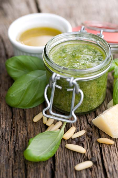 An Aunthentic Italian Pesto Sauce | Foodal.com