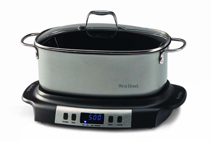 West Bend 84966 Versatility Oval Shaped 6 Quart Programmable Slow Cooker