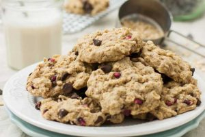 Chocolate and Pomegranate Oatmeal Cookies (Vegan & Gluten Free)