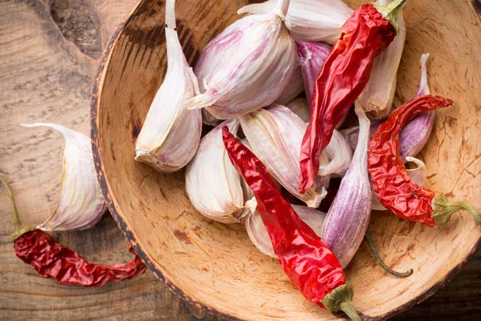 Cayenne chillies with a touch of garlic | Foodal.com