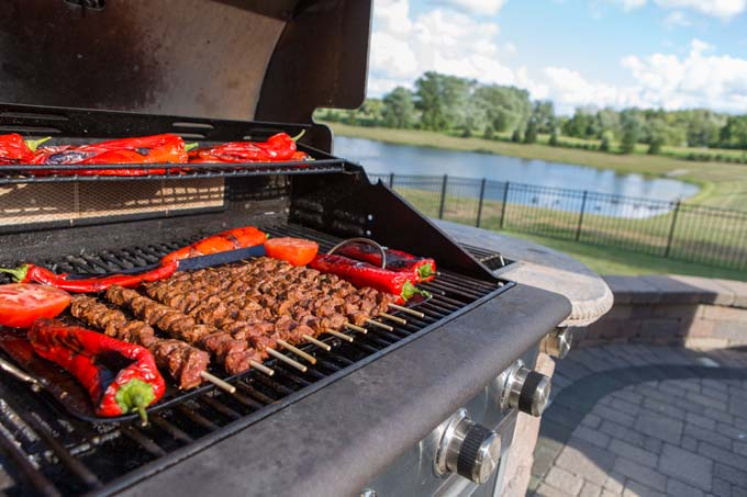 Benefits of Gas Grills - Foodal.com
