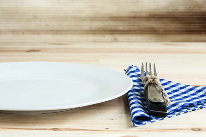Choosing the Best Tableware | Foodal.com & Choosing Dining Essentials For Your New Home | Foodal