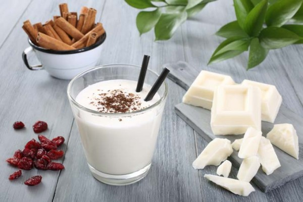 White Hot Chocolate | Foodal.com
