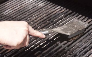 Maintaining and Cleaning Your Barbeque Grill | Foodal.com