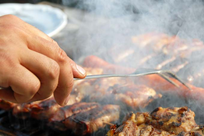Use Smoke to Add Flavor on Your BBQ Grill |foodal.com