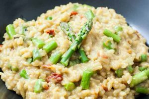 Easy Asparagus Risotto with Oven-Dried Tomatoes (Vegan)