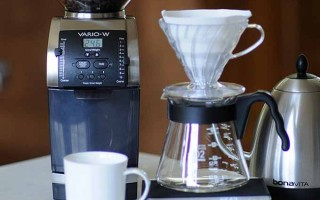 Automatically Weigh Your Grounds With The Baratza Vario-W