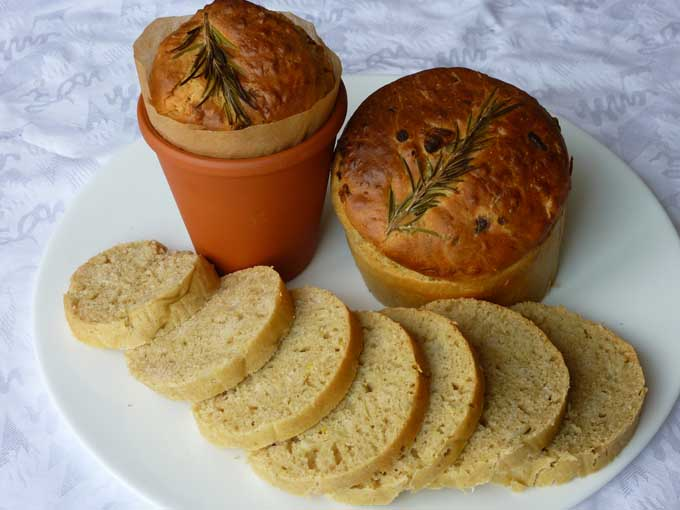 Bread in Terracotta Pots | Foodal.com