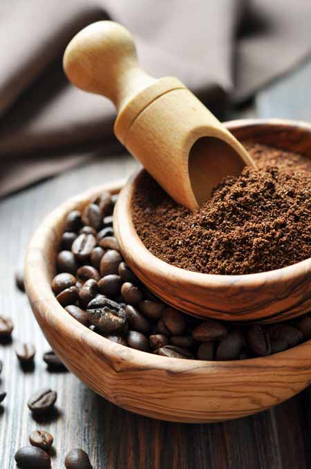 Fresh Roasted Coffee Beans And Grounds Foodal S Guide To Grinders