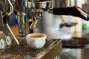 How to choose the best semi-automatic espresso machine | Foodal.com
