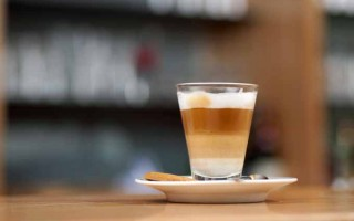 Latte Machiato, Macchiato, Cafe Macchiato, Cappuccinos, and Cafe Latte – Are these the same?