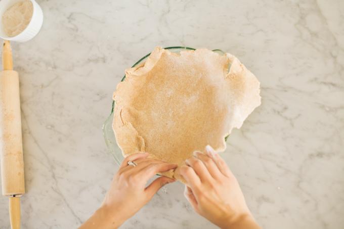 make a pie - step 11 - press into pan