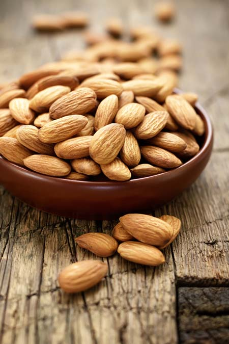 Almonds - High concentrations of Vitamin E | Foodal.com