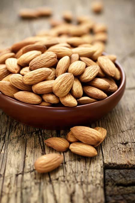 Almonds - High concentrations of Vitamin E | Foodal.com