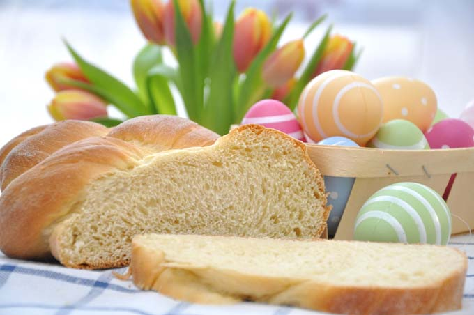 Celebrate With A Traditional Italian Easter Egg Bread | Foodal.com