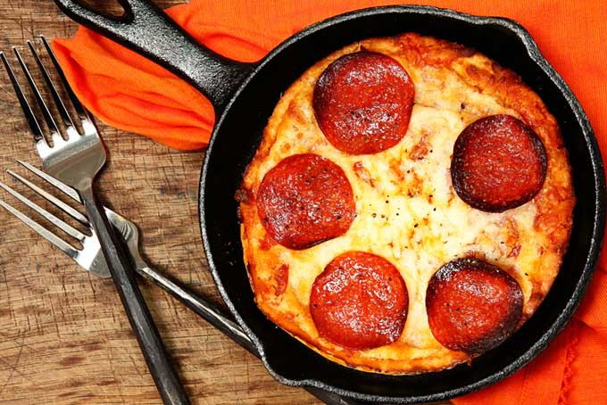 Deep Dish Campfire Pizza Using a Cast Iron Pan | Foodal.com