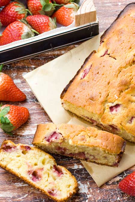 French Yogurt Cake with Strawberries | Foodal.com