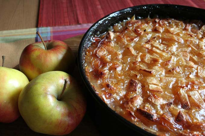 German Riesling Apple Cake | Foodal.com