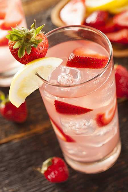 Homemade Strawberry Lemonade | Foodal.com