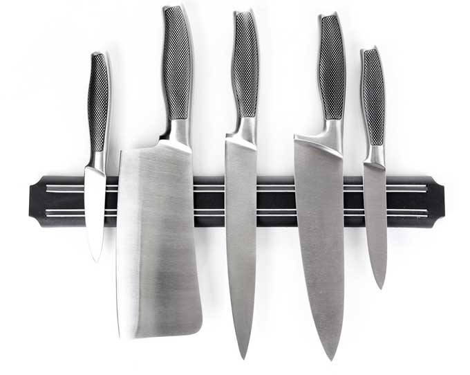 Kitchen Knives on a Magnetic Holder | Foodal.com