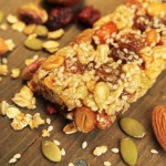 Low fat nut and fruit homemade granola bar | Foodal.com