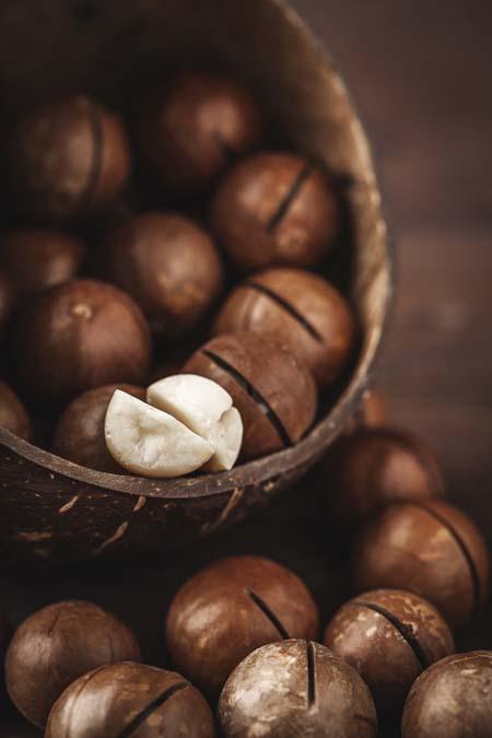Macadamias - high in heart healthy monosaturated fats | Foodal.com