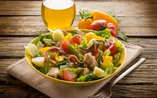 Making Julia Child's Salad Nicoise