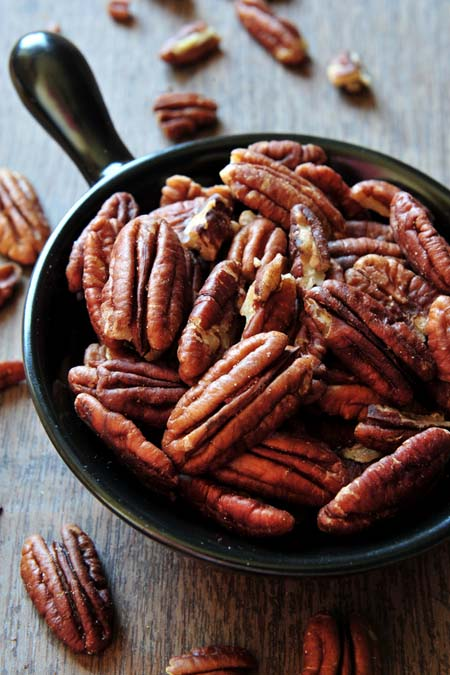 Pecans - high in Vitamin E and an American traditional nut | Foodal.com