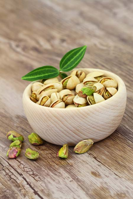Pistachios - high in potassium and Vitamin E and lower in calories | Foodal.com