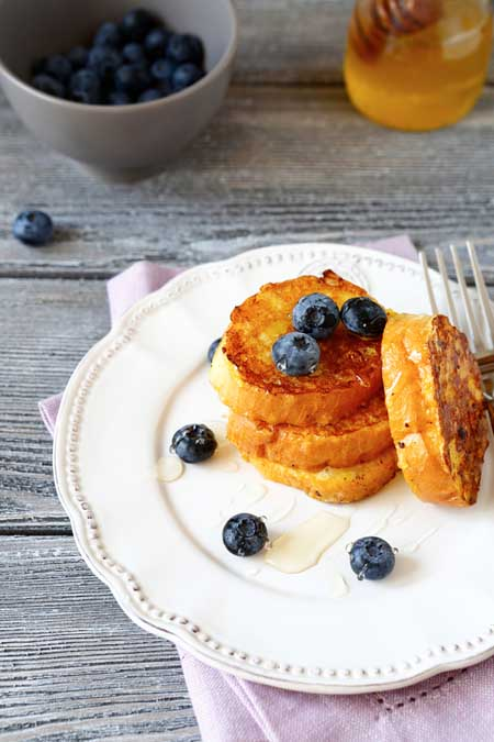 Russian Kulich Bread served as French toast | Foodal.com