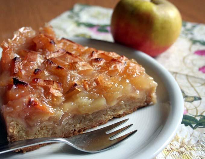 German Apple Slice Cake