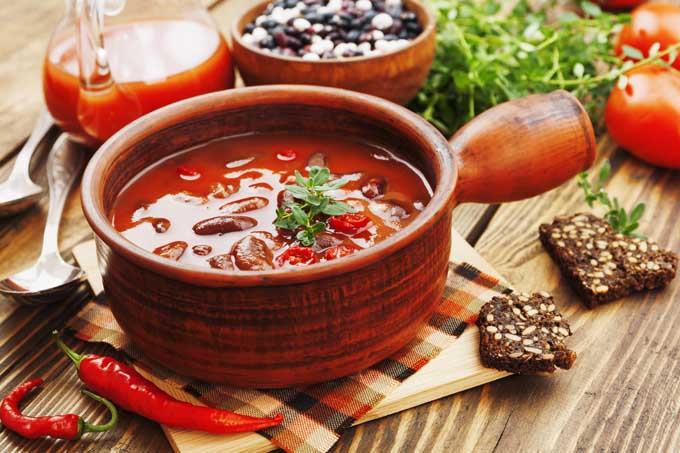 The Best Vegetarian Chili With Unconvential Ingrediants!   Foodal.com