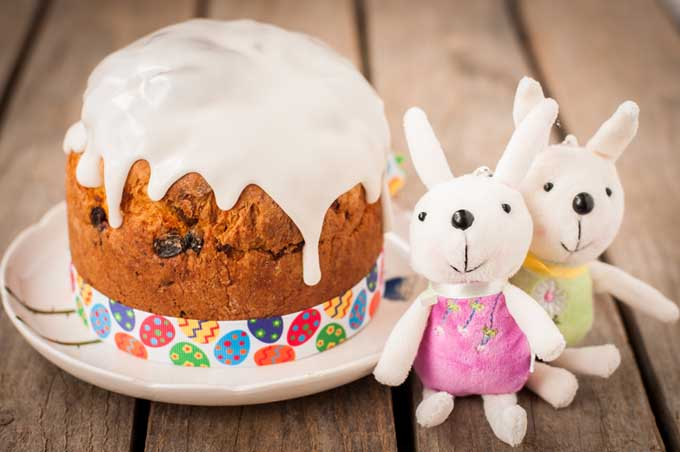 Traditional Foods of Easter - Russian Kulich Bread | Foodal.com