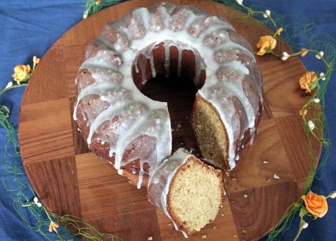 Your Easter Afternoon Treat - Egg Liqueur Gugelhupf | Foodal.com